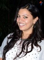 Geetha-Madhuri-Image16