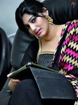 Divya-(Singer)-Image12