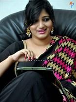 Divya-(Singer)-Image10