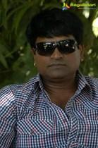 Ravi-Babu-Image35