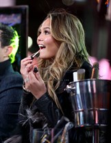 Chrissy-Teigen-New-Years-Eve-with-Carson-Daly-in-New-York-City-Image4