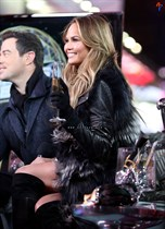 Chrissy-Teigen-New-Years-Eve-with-Carson-Daly-in-New-York-City-Image1