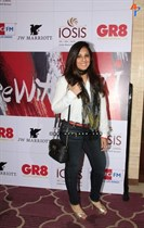 Raindropss-Sadhanai-Pengal-Womens-Day-Awards-Image39