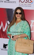 Bollywood-Celebs-at-Anu-Ranjan-Be-with-Beti-Charity-Campaign-Image33