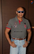 Bollywood-Celebs-at-Anu-Ranjan-Be-with-Beti-Charity-Campaign-Image7