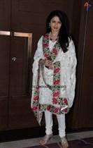 Bollywood-Celebs-at-Anu-Ranjan-Be-with-Beti-Charity-Campaign-Image6