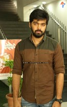 Tollywood-Celebs-at-Tungabhadra-Movie-Special-Show-Image32