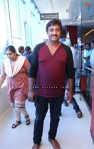 Tollywood-Celebs-at-Tungabhadra-Movie-Special-Show-Image28