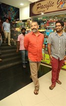 Tollywood-Celebs-at-Tungabhadra-Movie-Special-Show-Image12