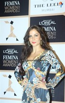 Bollywood-Celebrities-at-LOreal-Paris-Femina-Women-Awards-2015-Image35