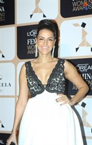 Bollywood-Celebrities-at-LOreal-Paris-Femina-Women-Awards-2015-Image26