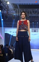 Bollywood-Models-and-Actresses-At-Launch-of-LIVA-Fashion-Image37