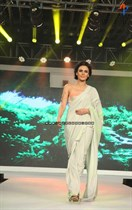Bollywood-Models-and-Actresses-At-Launch-of-LIVA-Fashion-Image36