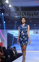 Bollywood-Models-and-Actresses-At-Launch-of-LIVA-Fashion-Image19