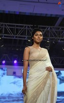 Bollywood-Models-and-Actresses-At-Launch-of-LIVA-Fashion-Image17