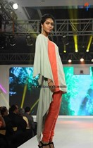 Bollywood-Models-and-Actresses-At-Launch-of-LIVA-Fashion-Image11