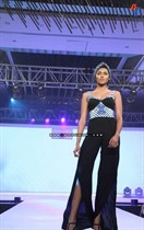 Bollywood-Models-and-Actresses-At-Launch-of-LIVA-Fashion-Image8