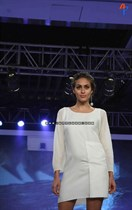 Bollywood-Models-and-Actresses-At-Launch-of-LIVA-Fashion-Image5