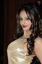 Leena-Kapoor-Image18