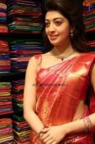 Pranitha-Image28